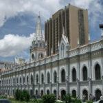 4-5/10 >> Caracas >> Historia >> 450º aniversario de Caracas con Dr. Emilio Luque Azcona